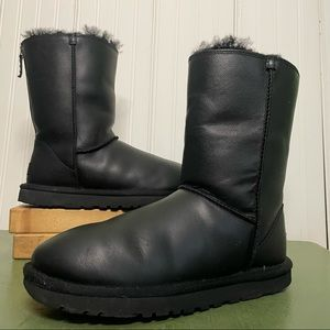 UGG SHEENA Leather Boots w  Shearling Lining #101314